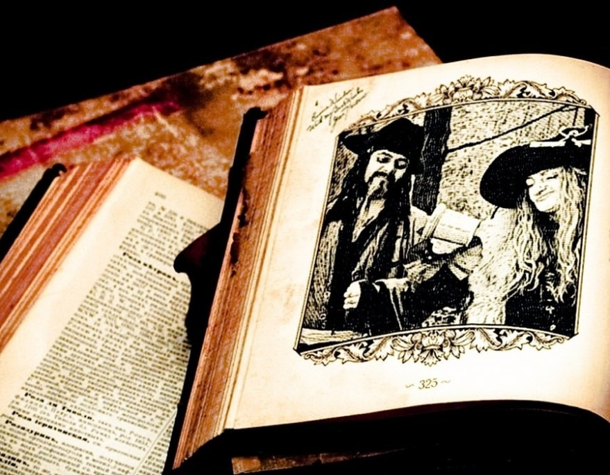 Pyrates in Old Book-1024.jpg